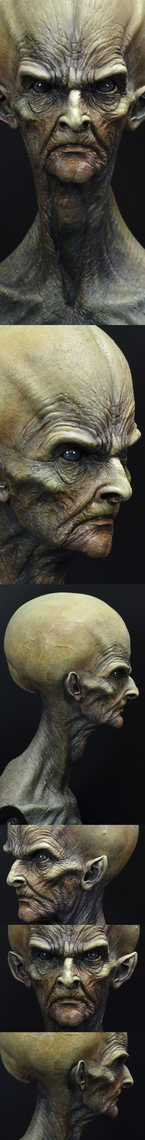 Supreme Intelligence bust - detailed view