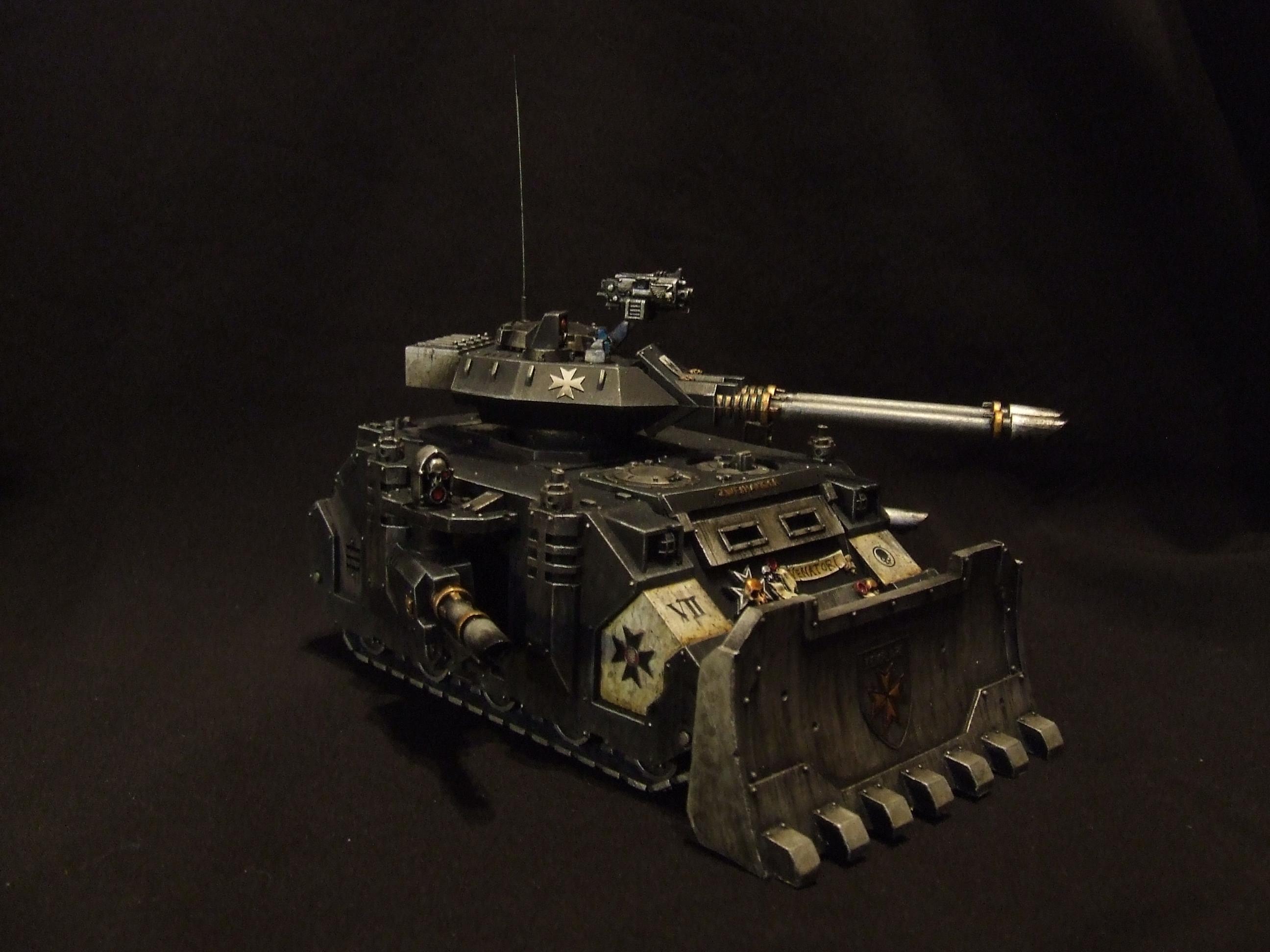 Black Templars 'Zweihander' Predator tankhunter.