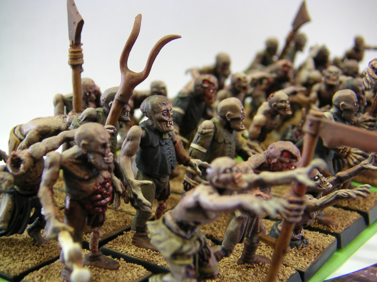 Zombie Horde Art CoolMiniOrNot -...