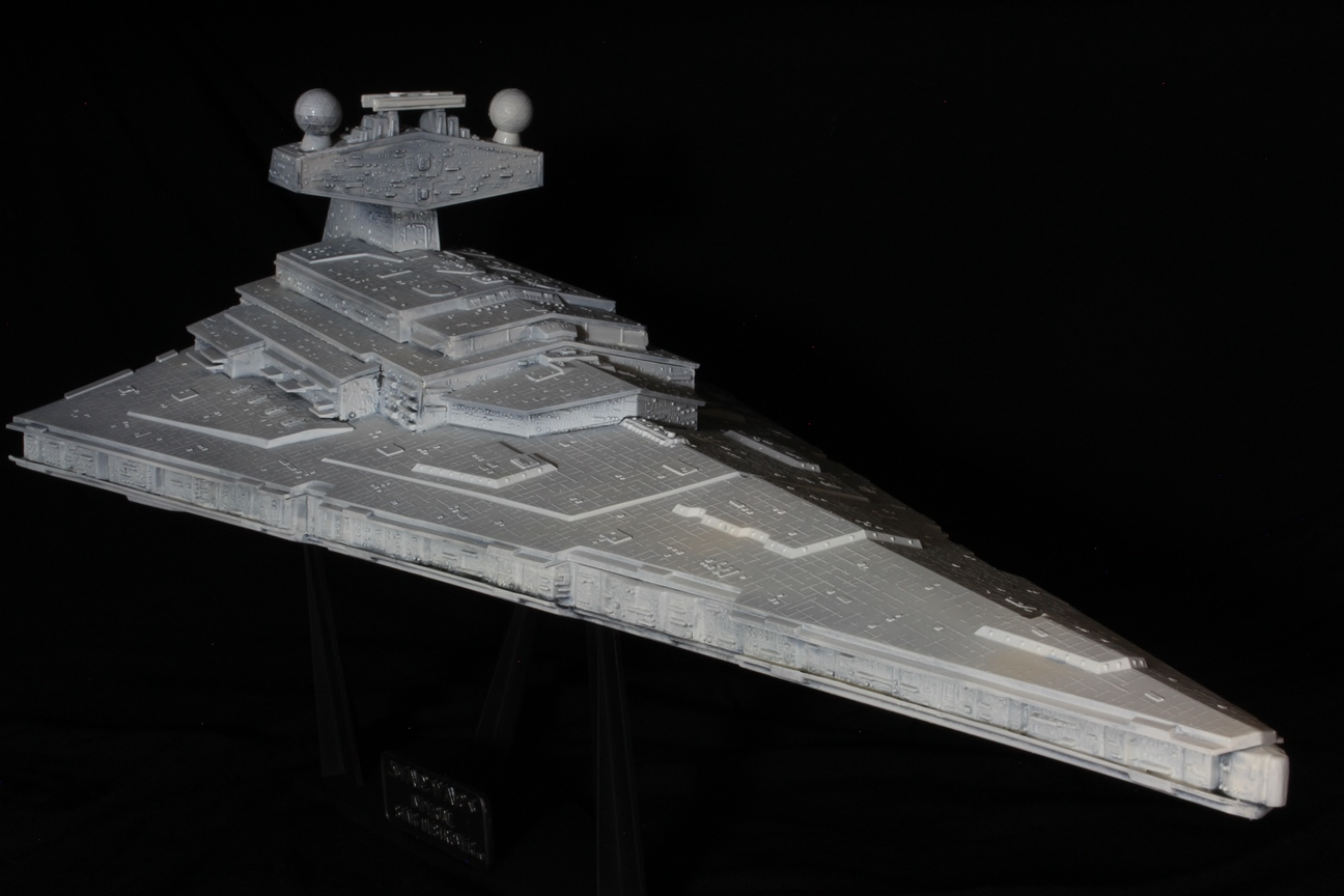 Star Destroyer - ERTL - 1:4105 - Star Wars Episode IV