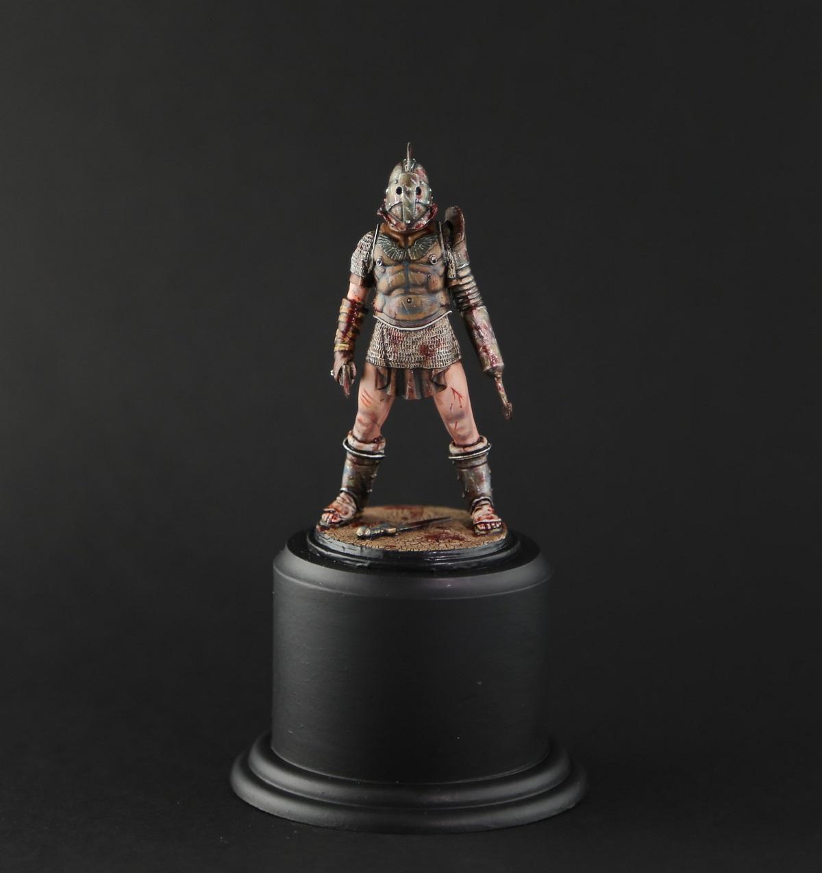 Gladiator with Scissor