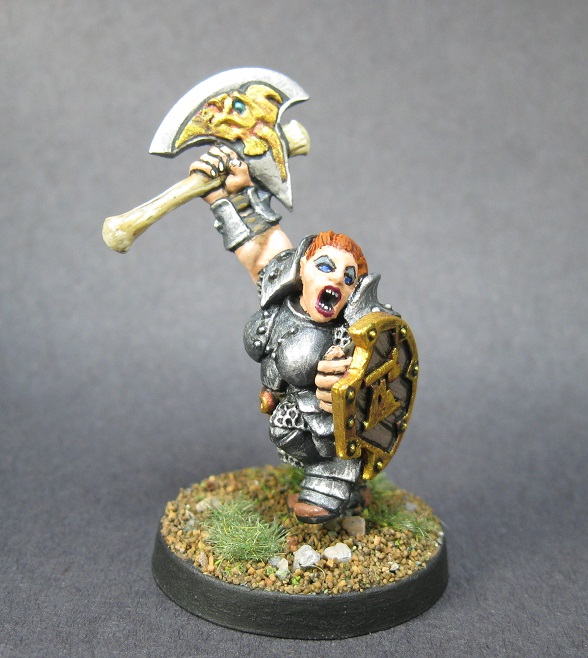 chainmail Female Dwarf Fighter