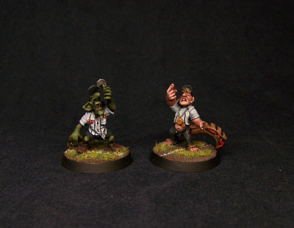 Blood Bowl Halfling and Goblin Referee