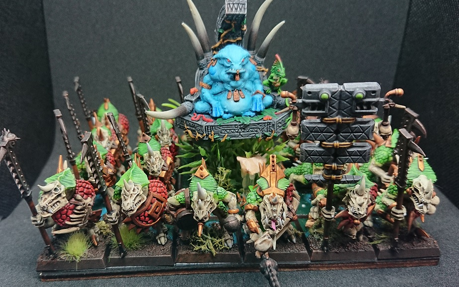 Warhammer Fantasy Lizardmen Slann with temple guard