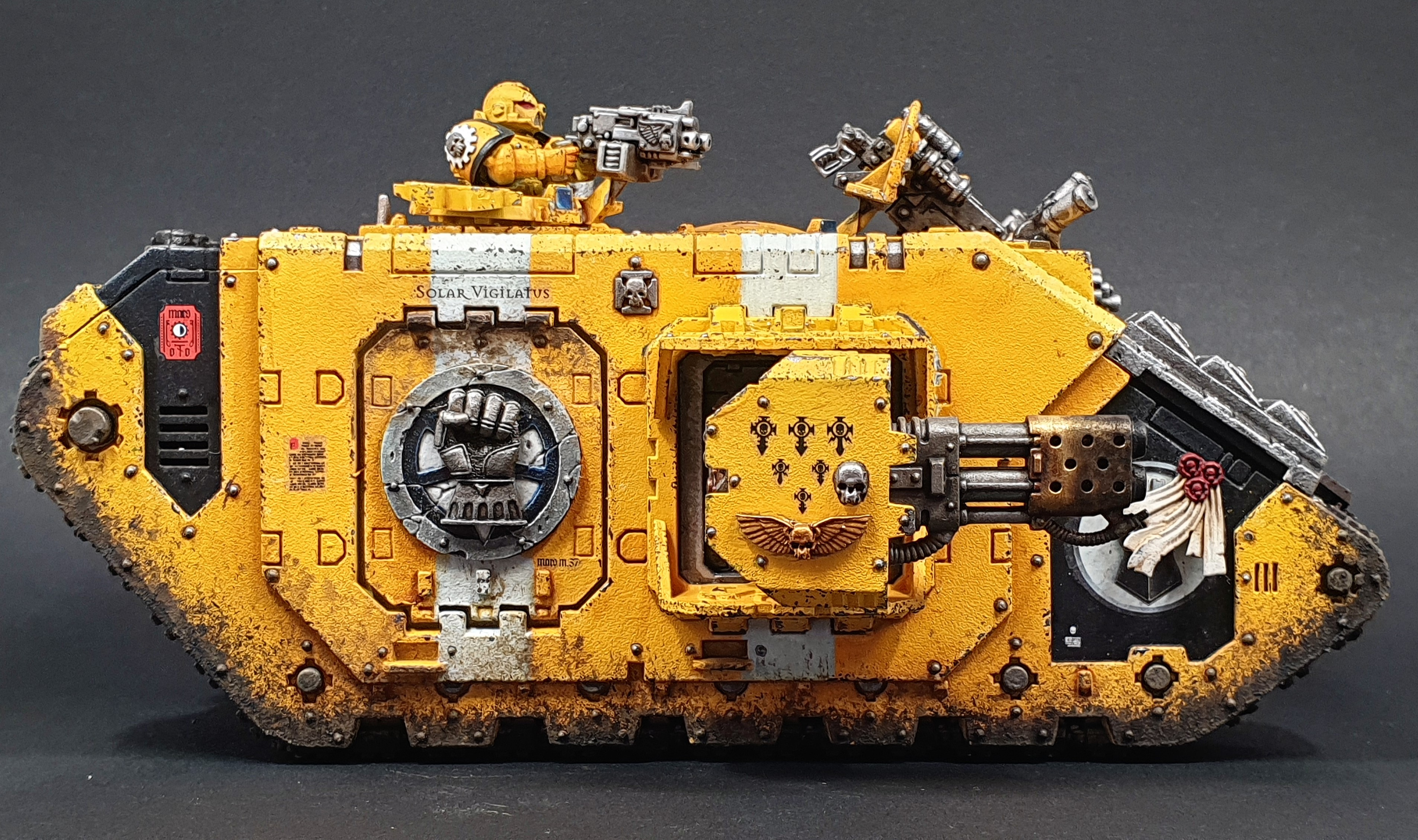 Imperial Fists Land Raider Crusder